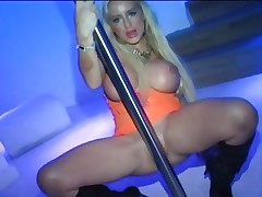 Pole dancing Savannah Gold receives her payment in prick